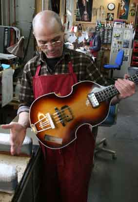 hofner custom shop luthier