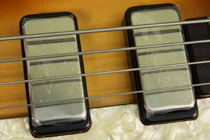 diamond logo pickups on the Hofner reissue of th famous 1961 Beatles cavern bass.